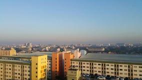 Arquitetura da cidade na manhã Fotografia de Stock Royalty Free