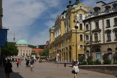 Arquitetura da cidade no quadrado de cidade principal dos CPE - Hungria Os CPE eram uma da capital europeia da cultura Foto de Stock