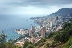Arquitetura da cidade da opinião aérea do principado de Mônaco Montecarlo em chuvoso S fotografia de stock