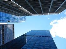 Arquitetura da cidade que olha acima Foto de Stock Royalty Free