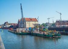 Arquitetura da cidade da cidade velha com a draga em Gdansk Foto de Stock Royalty Free