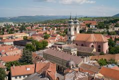 Arquitetura da cidade da cidade velha de Eger, Hungria, igreja de St Anthony de Pádua fotografia de stock