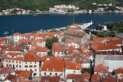 Arquitetura da cidade velha de Kotor da cidade Fotografia de Stock Royalty Free