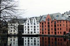 Arquitetura da margem - cidade de Alesund, Noruega Foto de Stock Royalty Free
