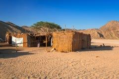 Arquitetura da vila africana pequena no deserto Foto de Stock