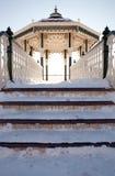 Arquitetura de Brigghton da neve do inverno do Bandstand foto de stock royalty free