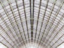 Arquitetura do telhado da estrutura do metal fotos de stock
