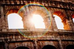 Arquitetura e arcos do Colosseum em Roma, Itália imagem de stock