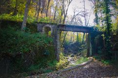 Arquitetura e natureza de Miskolc, Lillafured vermelho no outono fotografia de stock