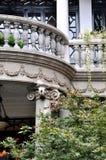 A arquitetura envelhecida com requintado grava Imagens de Stock