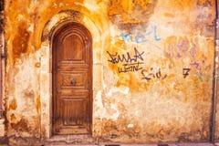 9 9 2016 - Arquitetura genérica na cidade velha de Rethymno Fotografia de Stock