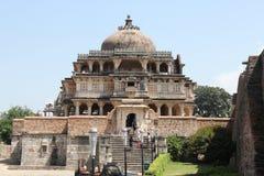 arquitetura histórica, templo do devi & x28; Temple& x29 do altar; forte do kumbhalgarh imagens de stock