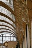 Arquitetura interior do museu de Orsay em Paris, França fotografia de stock