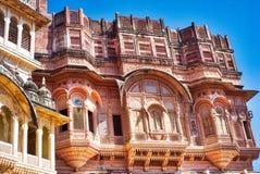 Arquitetura intrincada em Jaipur antigo imagem de stock