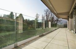 Arquitetura moderna, balcão imagem de stock