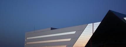 Arquitetura moderna Construção no estilo da alto-tecnologia Fotografia de Stock
