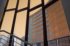 Arquitetura moderna do arranha-céus imagem de stock