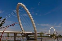 Arquitetura moderna - ponte pedestre Fotos de Stock