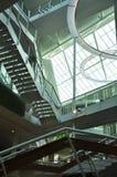 Arquitetura moderna, projeto de espaço interior de construção Fotos de Stock