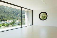 Arquitetura moderna, sala larga Fotografia de Stock Royalty Free