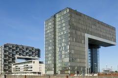 Arquitetura moderna, skyline de rhine, água de Colônia Imagens de Stock