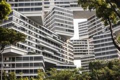 Arquitetura moderna, terraços de Singapura imagens de stock