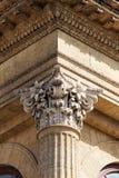 Arquitetura neoclássico, capital do corinthian imagens de stock