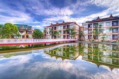 Arquitetura oriental com reflexão Foto de Stock Royalty Free