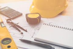Arquitetura, projetando planos e equipamento de desenho Fotografia de Stock Royalty Free