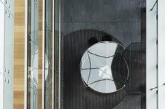 Arquitetura sustentável do modernismo da arquitetura Design de interiores moderno em construções de Vilnius fotografia de stock royalty free