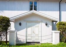 Arquitetura tradicional de madeira em Noruega o 21 de maio de 2014 em Gardermoen, Noruega Imagem de Stock