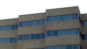 Arquitetura urbana concreta de canto do anúncio publicitário do céu do prédio de escritórios Foto de Stock
