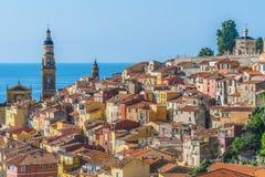 Arquitetura velha da cidade de Menton em Riviera francês foto de stock