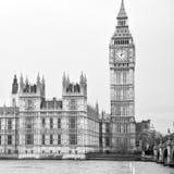 arquitetura velha exterior na parede e no hist de Inglaterra Londres Europa Fotografia de Stock Royalty Free