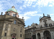 Arquiteturas impressionantes em Praga Fotos de Stock