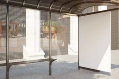 Arrêt d'autobus avec le côté vide de bannière Image stock