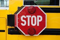 Arrêt d'autobus scolaire Images libres de droits