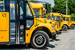 Arrêt d'autobus scolaire Photos stock