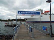 Arrêt de ferry pour Travemuende Photos stock