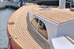 Arrêt de yacht dans le port Photographie stock libre de droits