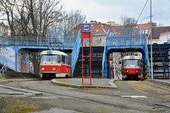 Arrêt final du tram numéro 23 à Prague Lovka de ¡ de Krà photo stock