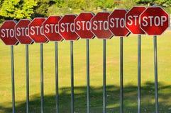Arrêtez l'arrêt d'arrêt d'arrêt? Images libres de droits