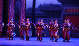 Arrêtoir d'un grand de famille-Le acte d'abord des événements de drame-Shawan de danse du passé Images stock
