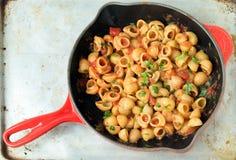 Arrabiata pasta i en panna Fotografering för Bildbyråer