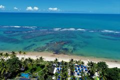 Arraial d'Ajuda海滩,塞古鲁港,巴伊亚,巴西鸟瞰图  库存照片