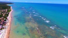 Arraial d 'Ajuda, Bahía, el Brasil: Vista de la playa hermosa imagen de archivo