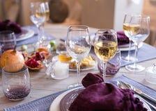 Arrangement de fête de table, arrangement de table Photographie stock
