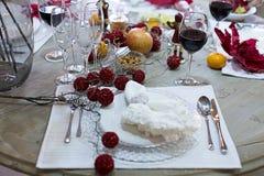 Arrangement de fête de table, arrangement de table Photo stock