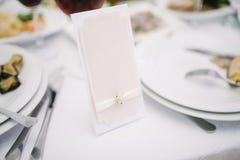Arrangement de f?te de table de mariage D?coration de Tableau le jour du mariage photo libre de droits
