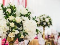 Arrangement de table de mariage de dîner Photographie stock libre de droits